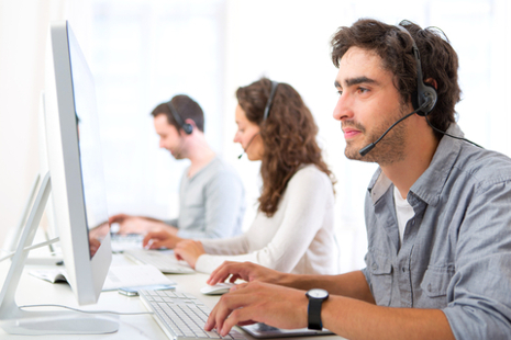 Image of a customer service call center where OriGn is possibly being used.